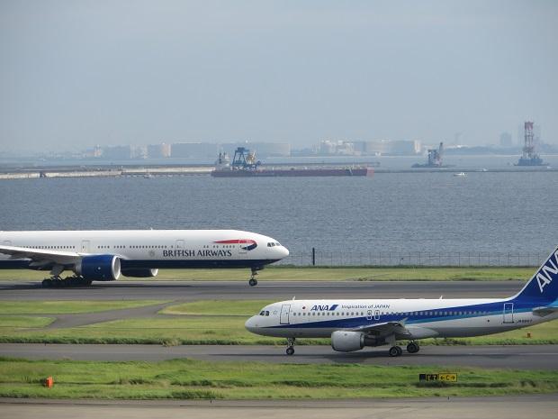 全日空機と英国航空機