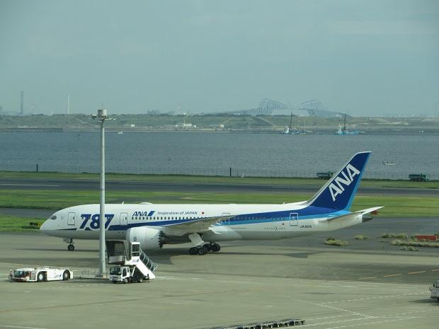 ANA機(左から)