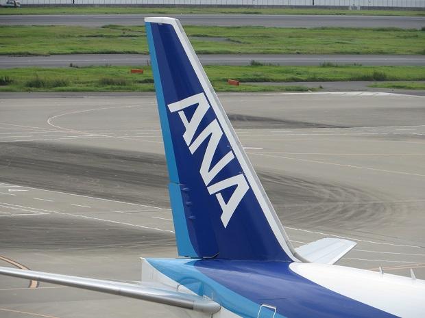 ANA機の尾翼