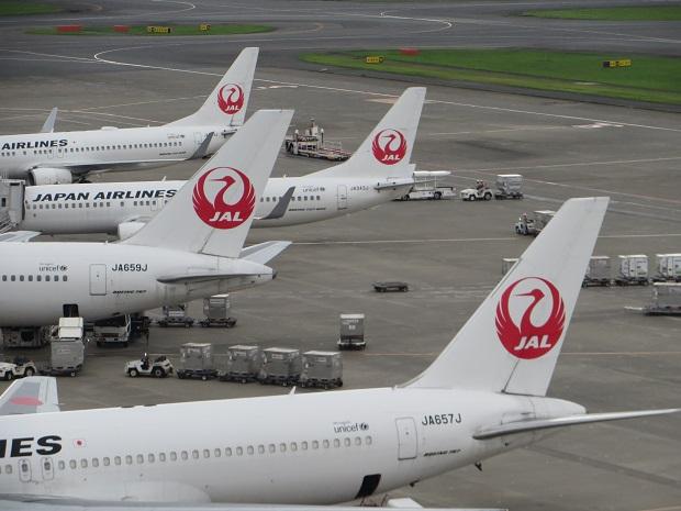 日本航空機(尾翼4機)