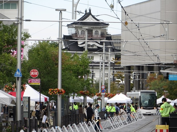 トランジットモールと富山城