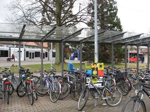 「Lassberg-str.」停留所の駐輪場