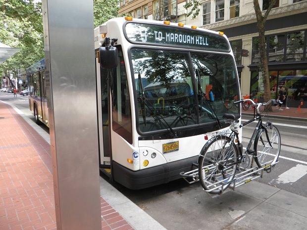 ポートランドの路線バスの自転車