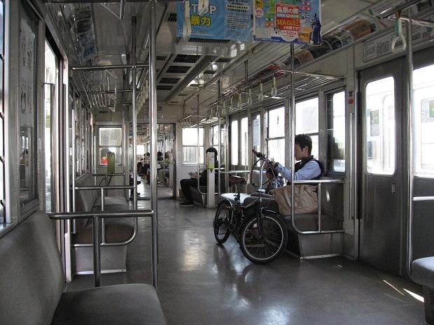 熊本電鉄の車内
