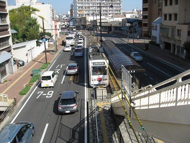 岡山電気軌道の「清輝橋」停留所